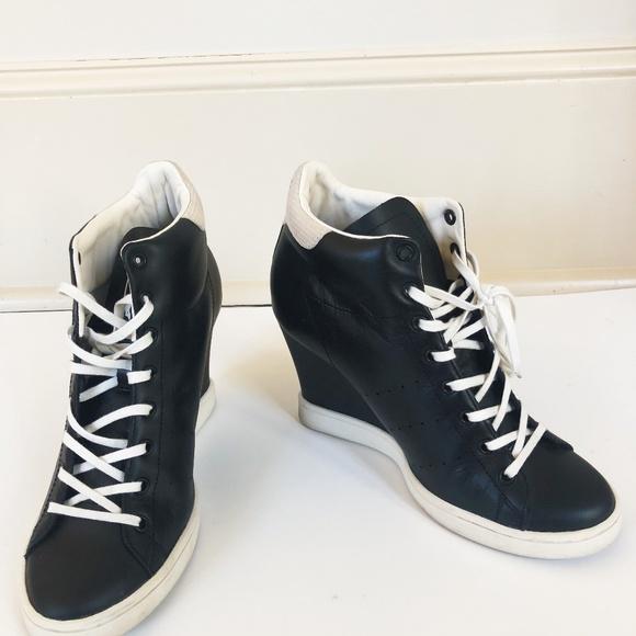 le adidas stan smith scheda scarpe poshmark
